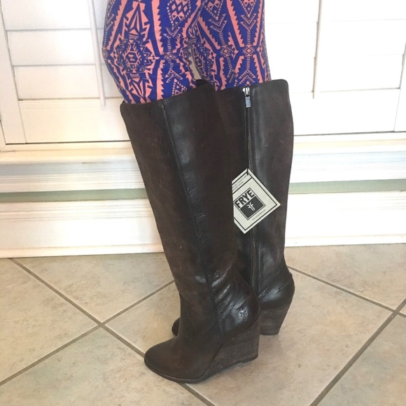 c4671fe7975 NWT Frye Cece Seam Tall Distressed Wedge Boots 8